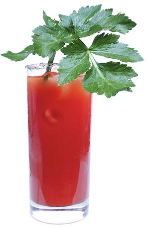 Коктейль Кровавая Мэри с хреновухой, от алкофана – кулинарный рецепт