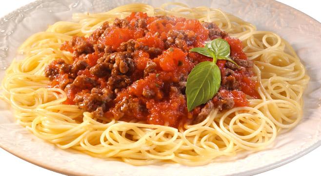 Спагетти болоньезе с тефтелями
