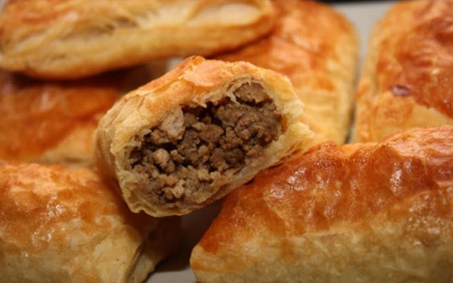 Пирожки с мясом из слоёного тестаы с фото