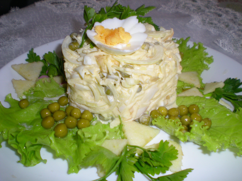 Вкусный салат с кальмаров простой и вкусный