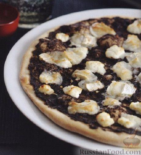 Пицца с соусом тапенада