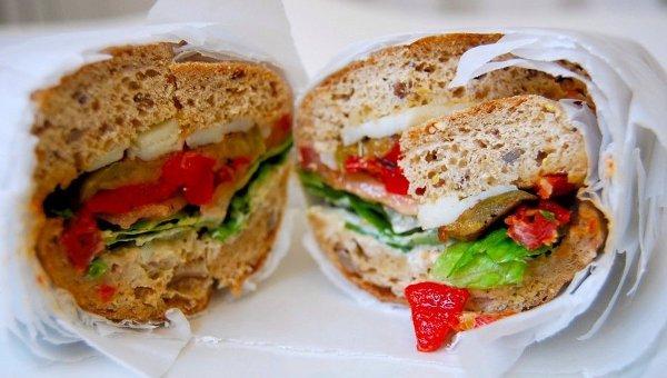 Овощи и говядина для сендвича