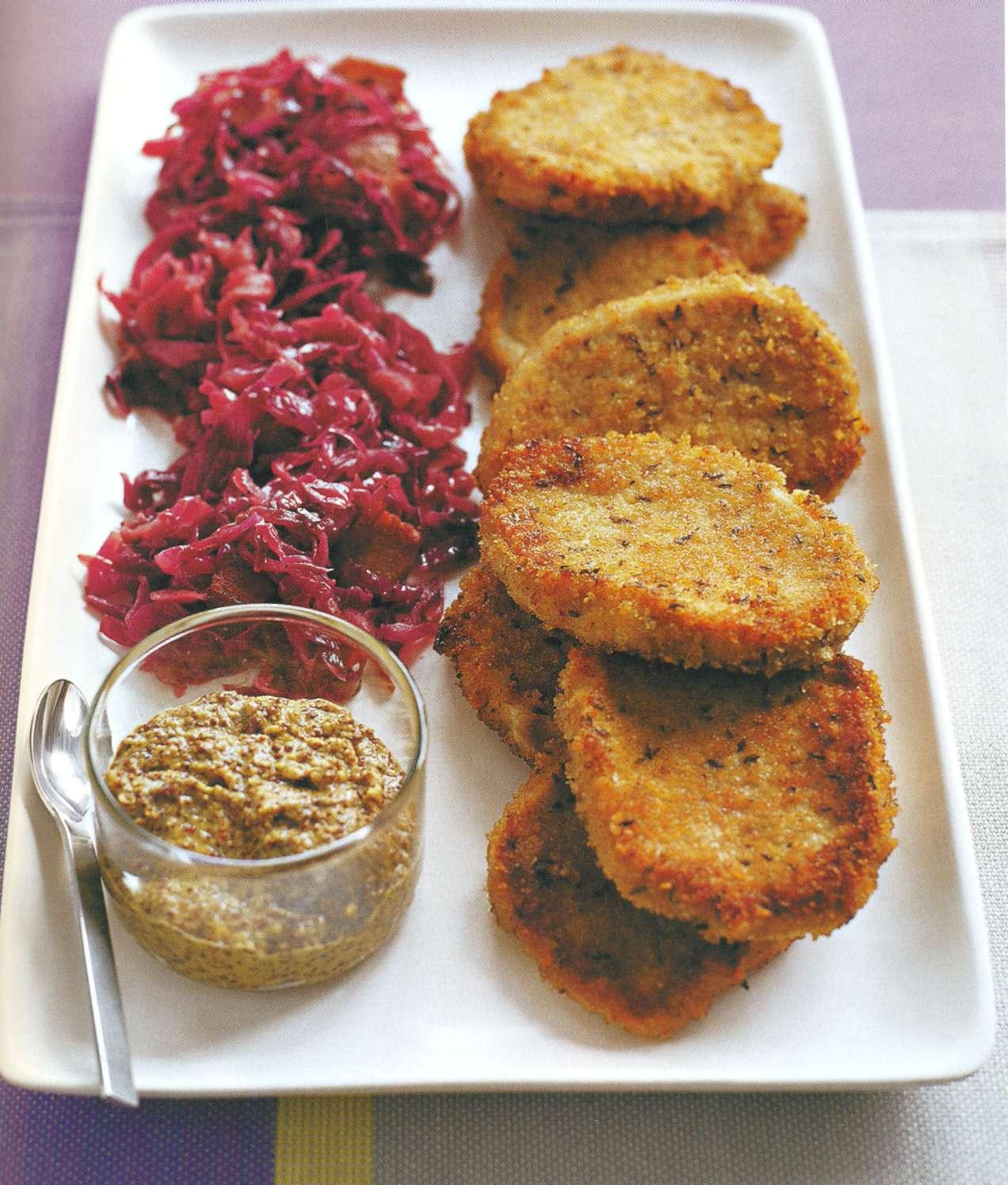 Рецепт: свиные медальоны в корочке из ржаного хлеба
