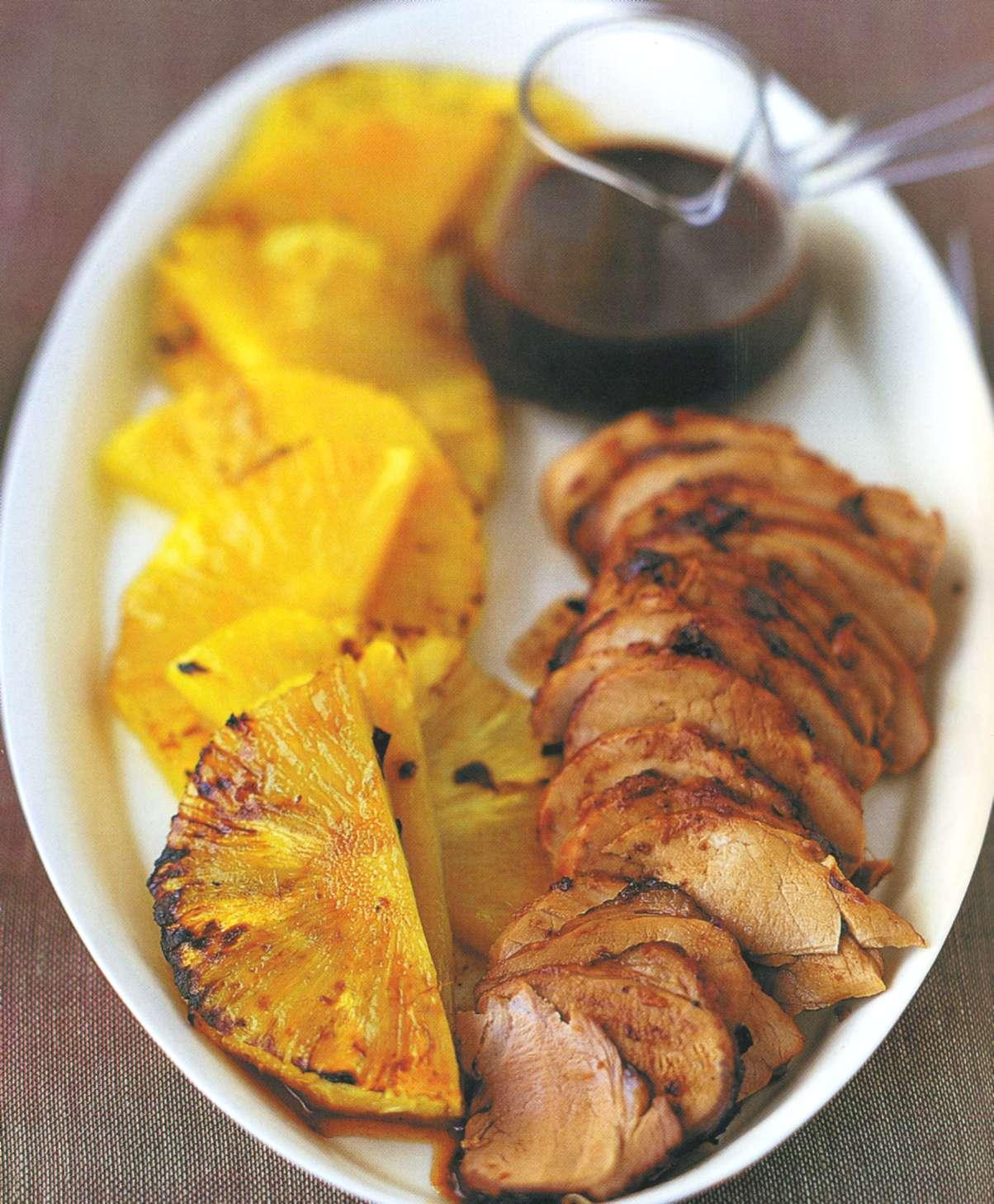 Рецепт: свинина в глазури с ананасом