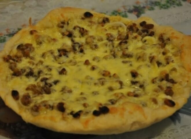 Рецепт пиццы с луком и сыром
