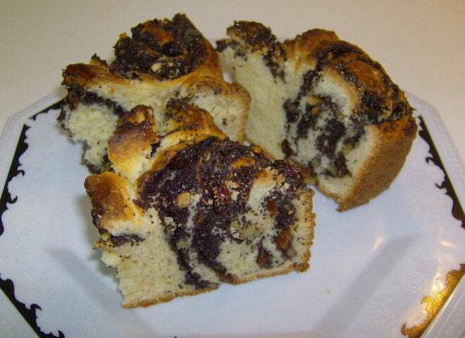 Пирог из пирожков с маком.