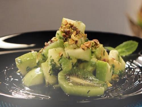 Салат с авокадо и зеленым яблоком