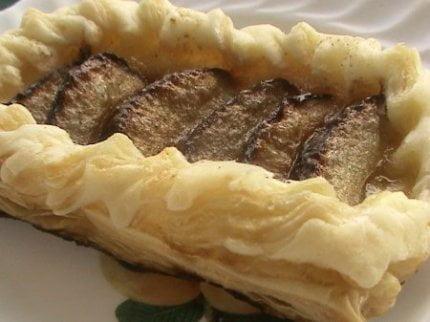 Рецепт: Воздушные сливовые пирожные