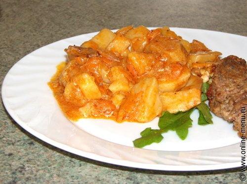 Тушеный картофель с мясом и овощами — рецепт