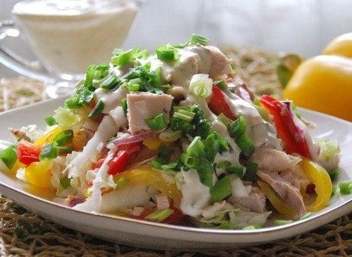 Экзотический салат с куриным филе