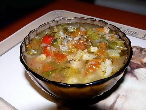 Горячие супы: щи