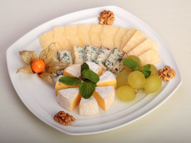 Блюда Франции: Доска с сырами