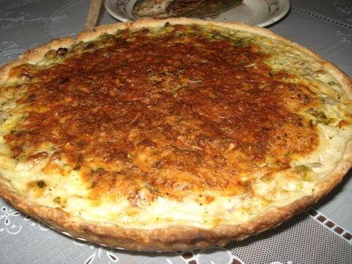 Блюда Франции: Луковый пирог с грецкими орехами