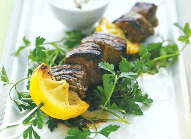 Рецепт: кебабы из баранины с лимоном и чесноком