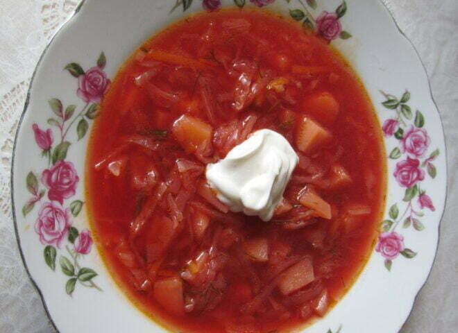 Борщ, популярное блюдо украинской кухни